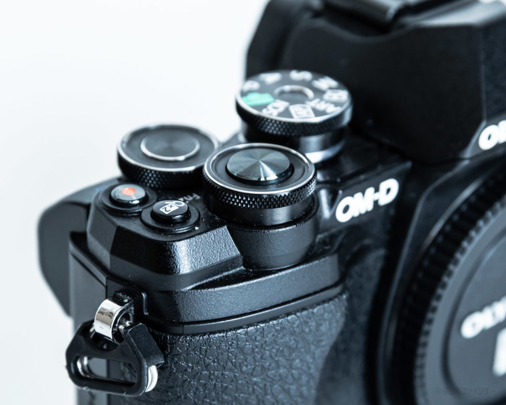 OM-D E-M10 Mark III編】初心者にオススメするオリンパスのミラーレスカメラ